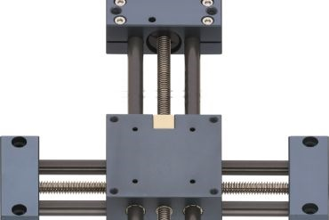 XY-table with drylin® SHT lead screw drive