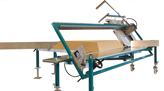 Pit saw for insulation materials